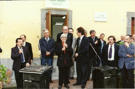 Maria Teresa de Filippis all'inaugurazione del Museo Piero Taruffi a Bagnoregio nel 1998